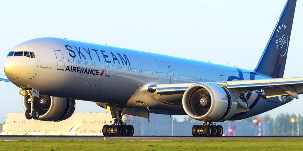 Boeing 777-300 ER Air France livrée Skyteam F-GZNT
