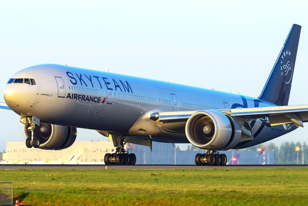 Boeing 777-300 ER Air France livrée Skyteam F-GZNT