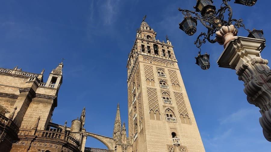 Giralda, l'ancien minaret de la grande mosquée almohade de Séville