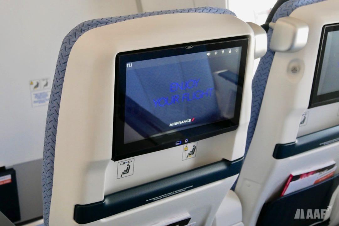 IFE du siège Premium Eco A350 Air France [F-HTYA / MSN331 / F-WZFN] © AAF - reproduction interdite