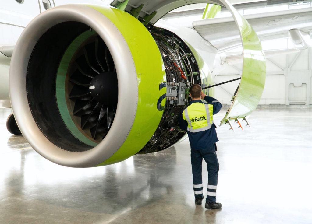 Maintenance d'un A220-300 airBalic