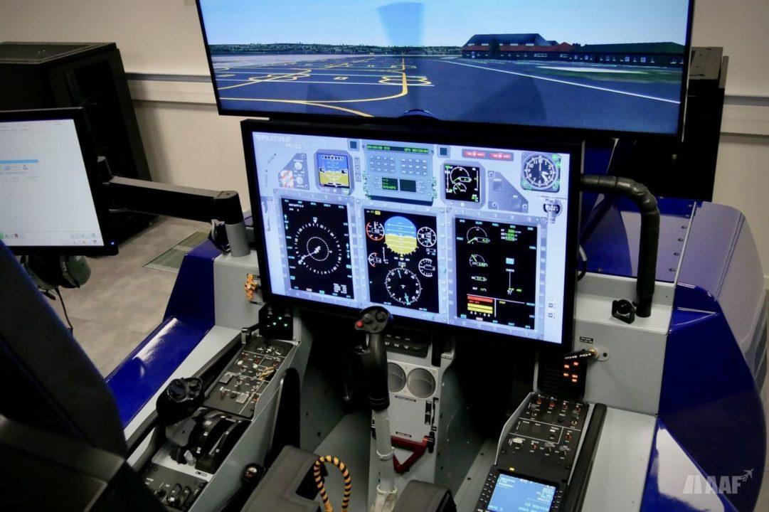 Simulateur de PC-21 à Cognac