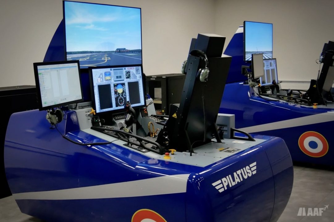 Simulateurs de PC-21 à Cognac