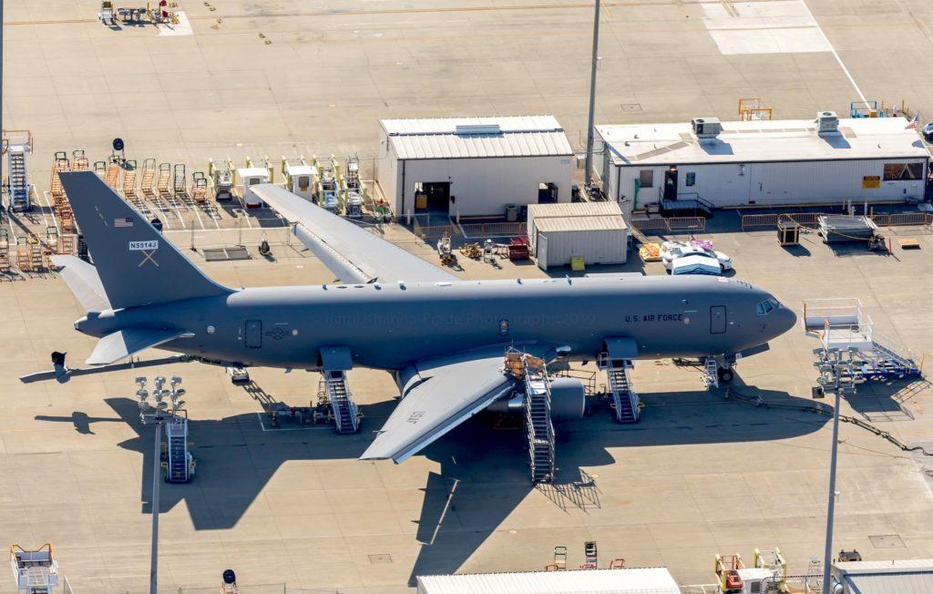 KC-46 Pegasus parqué à Being Field, à Everett