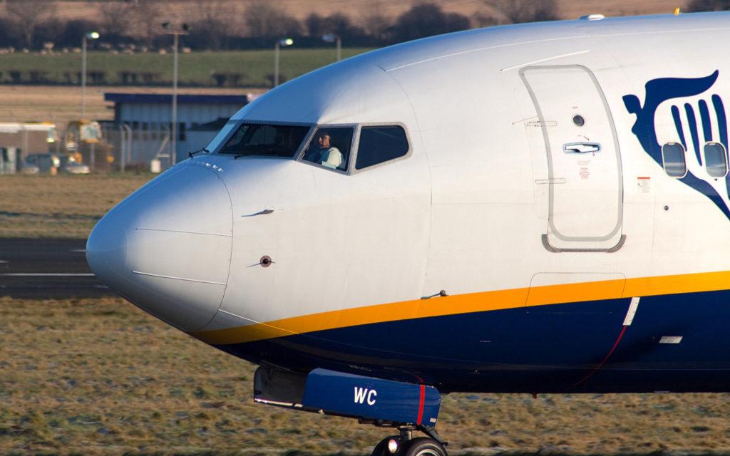 Ryanair B737-800 EI-DWC