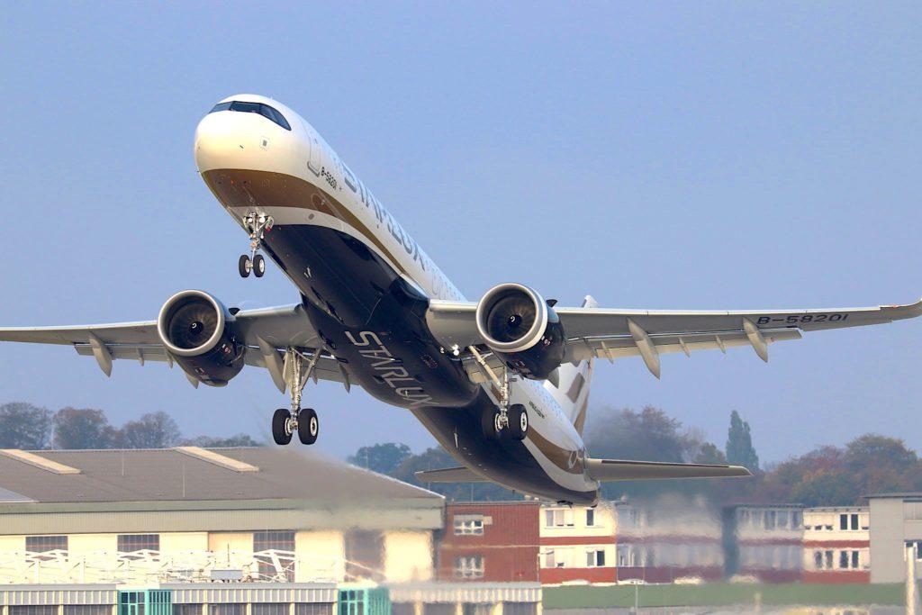 'Airbus A321neo Starlux [B-58201 / D-AZAX]