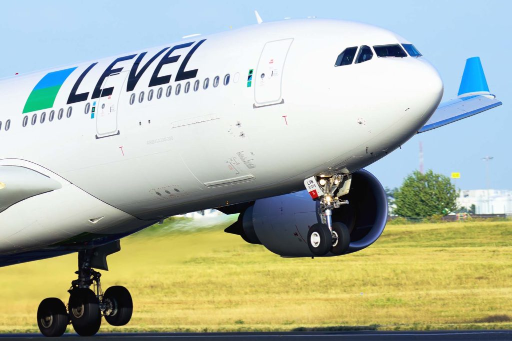 LEVEL Airbus A330-202 F-HLVM