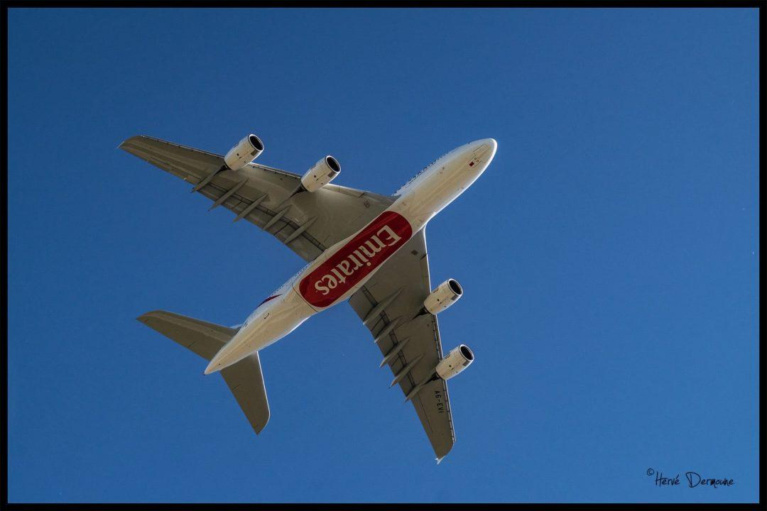 Passage bas de l'A380 à Toulon-Hyères