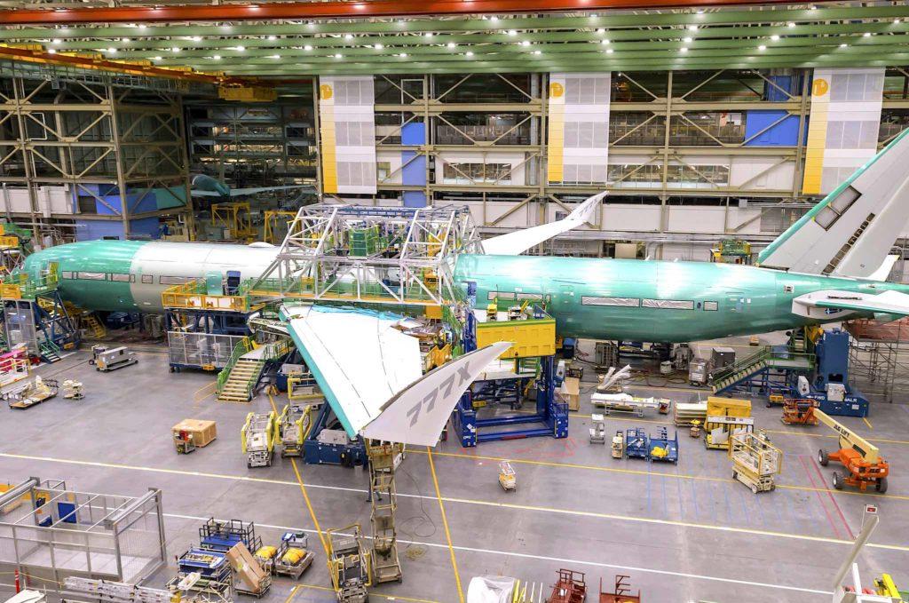 1er Boeing 777x en cours d'assemblage
