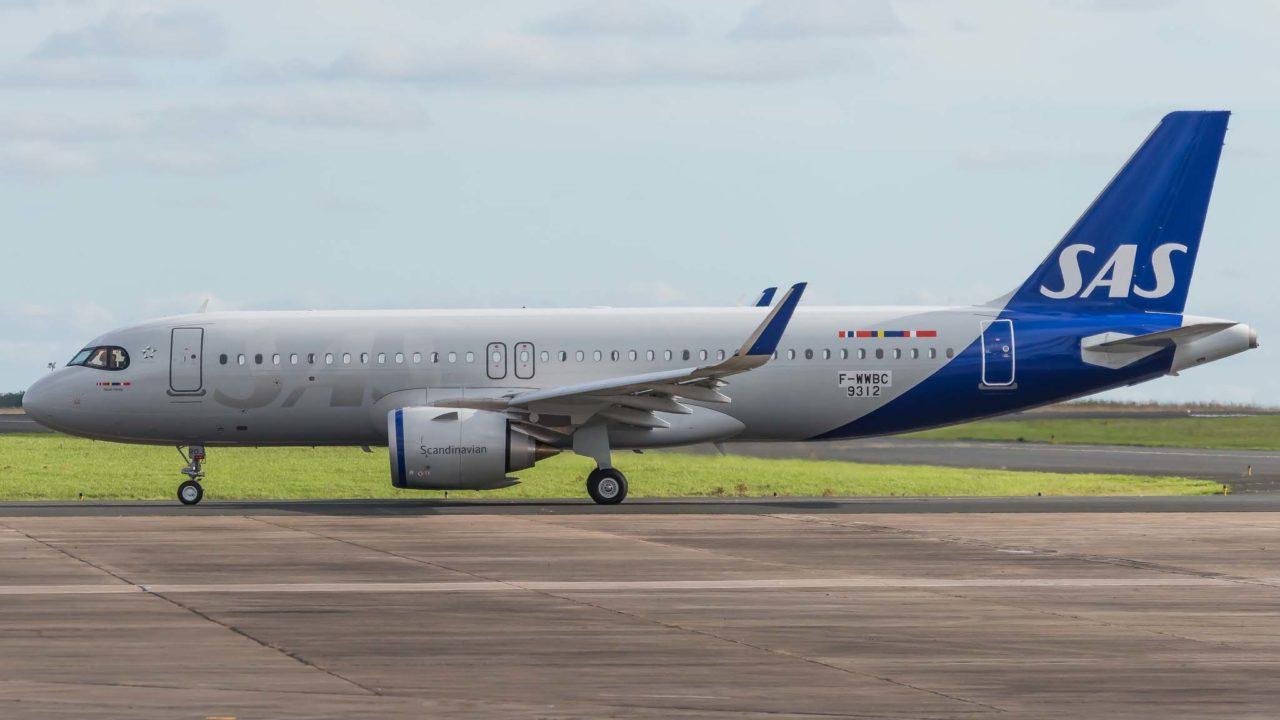 SAS A320neo [MSN9312 / SE-ROJ / F-WWBC] à Châteauroux le même jour