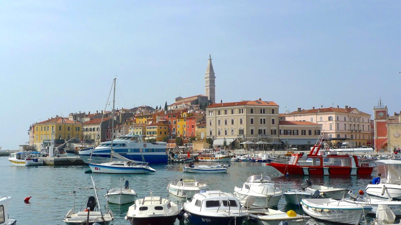 Port de Pula, en Croatie