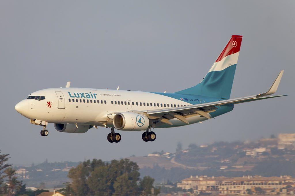 Boeing 737-700 LX-LGS