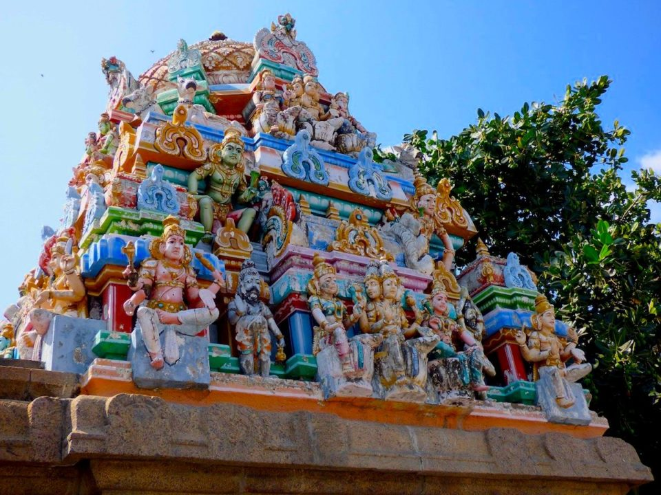 Temple coloré et richement décoré à Chennai