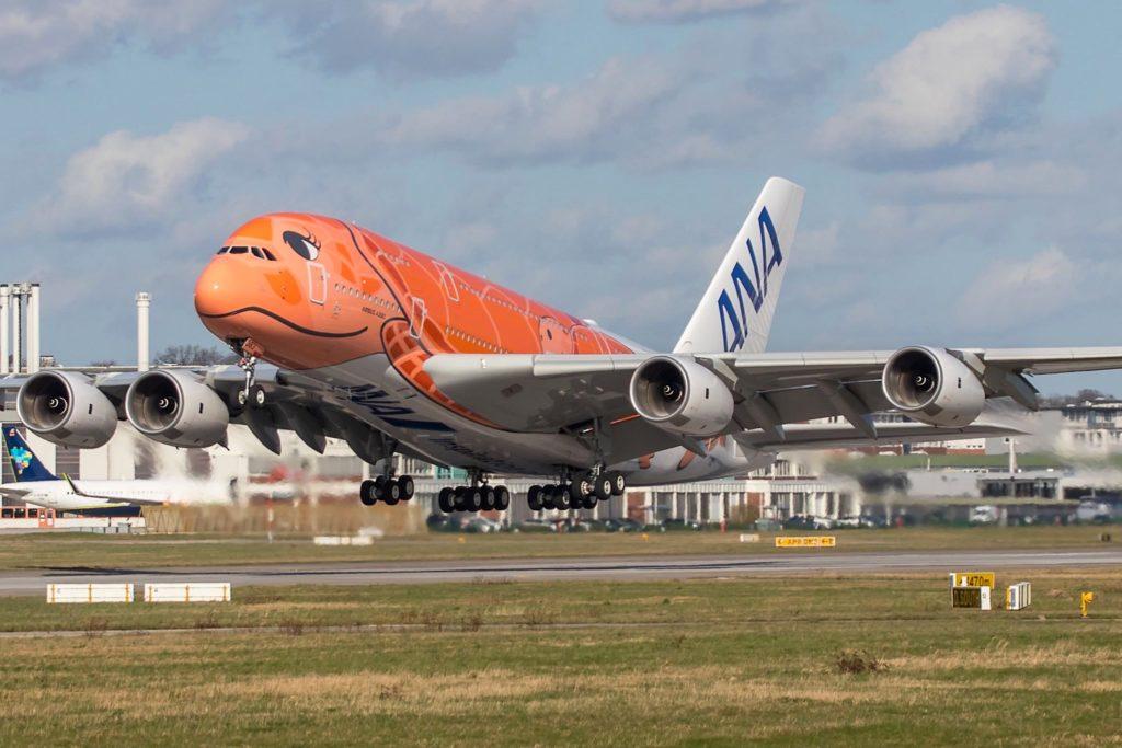 3e Airbus A380 ANA à Hambourg