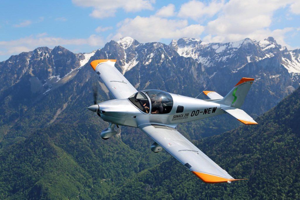 Sonaca 200 en vol de montagne en Suisse