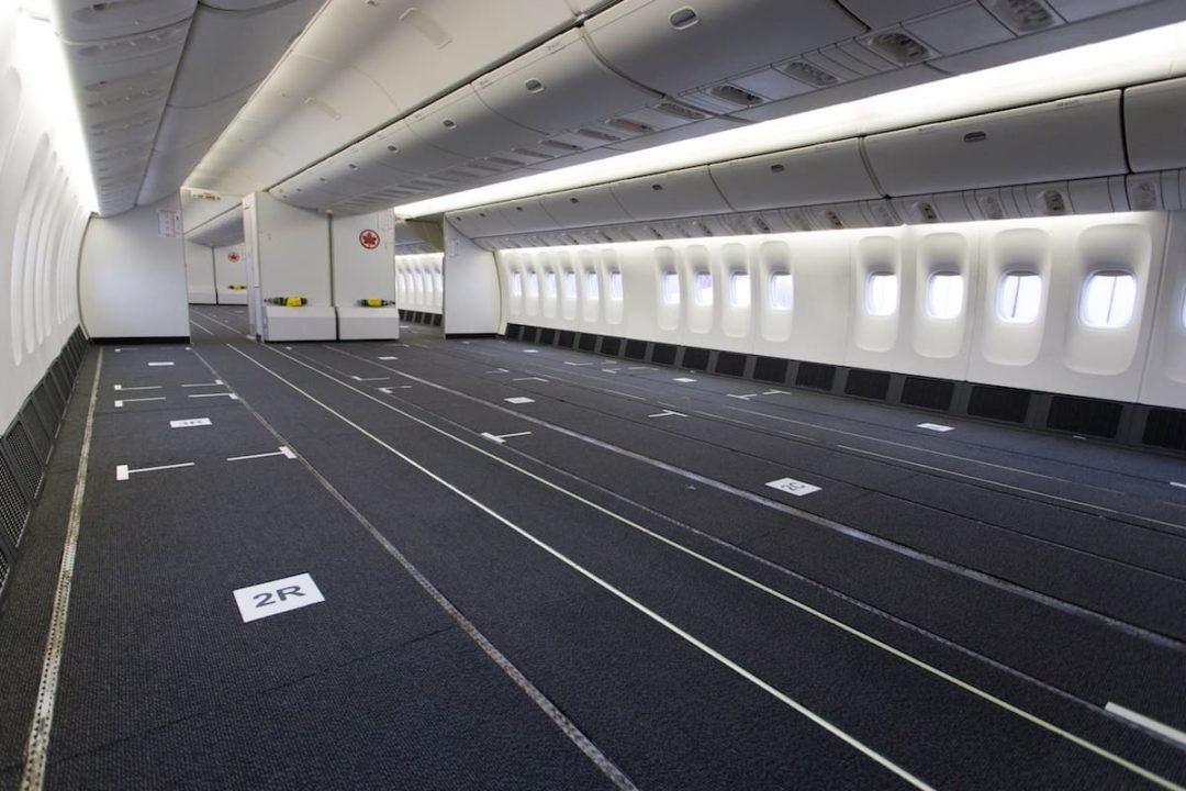 Cabine Boeing 777-300ER passagers convertie en Cargo