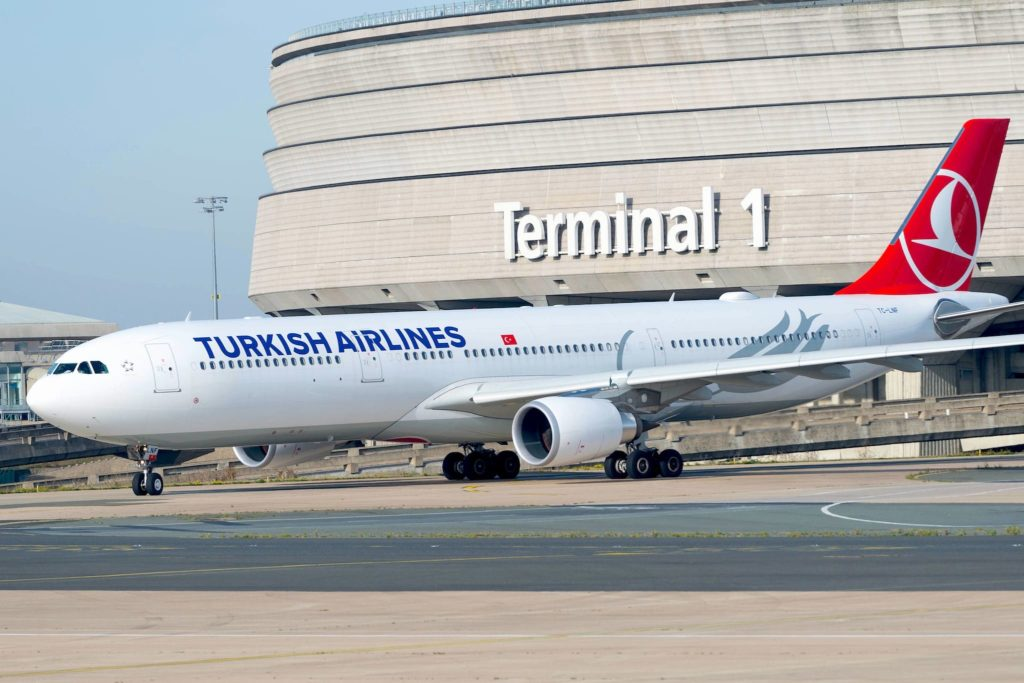 Airbus A330-300 Turkish Airlines TC-LNF