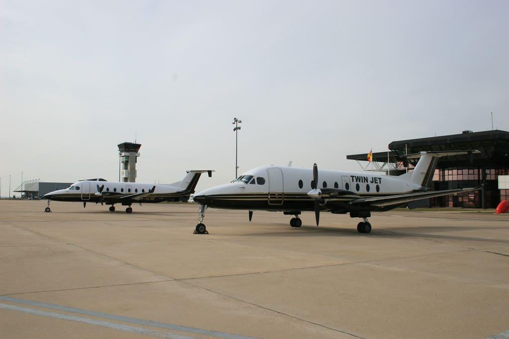 Twin Jet B1900D