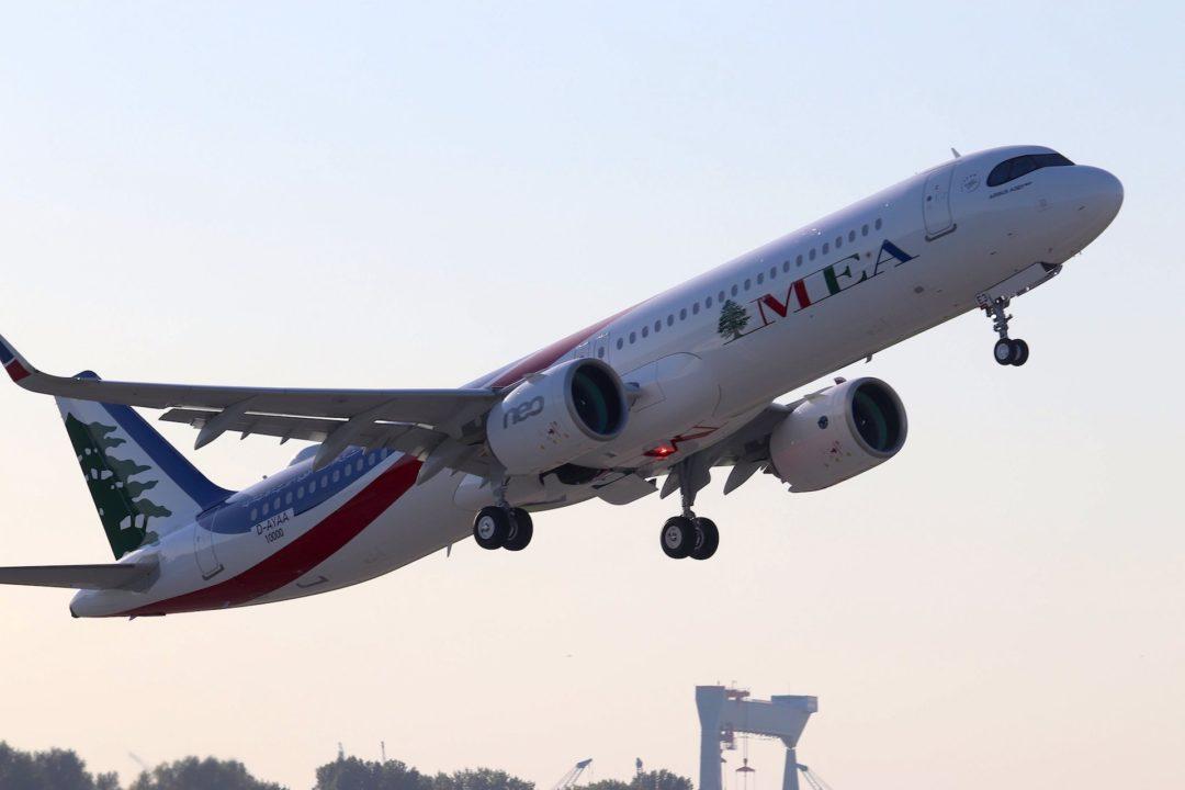A321neo MEA MSN 10 000 qui décolle de Hambourg