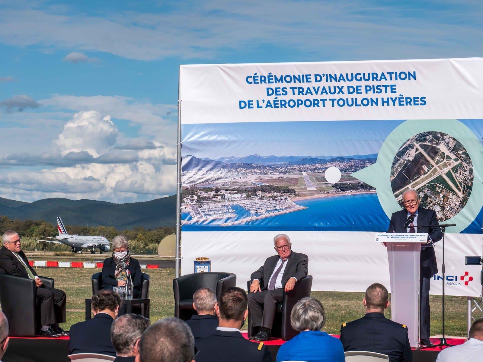 Cérémonie officielle l'aéroport Toulon Hyères