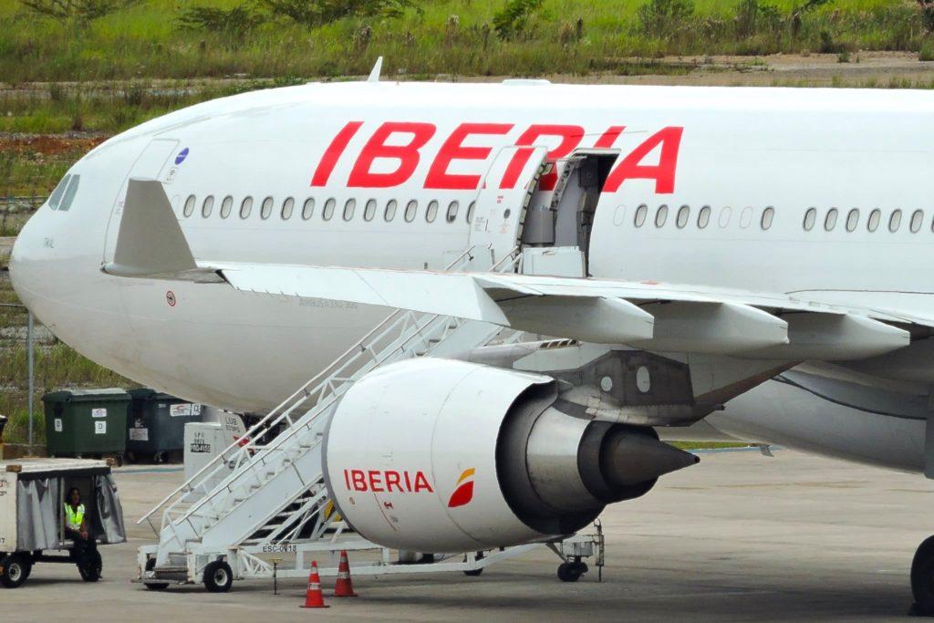 Iberia A330-300 © RL.Canossa sous (CC BY-SA 2.0)