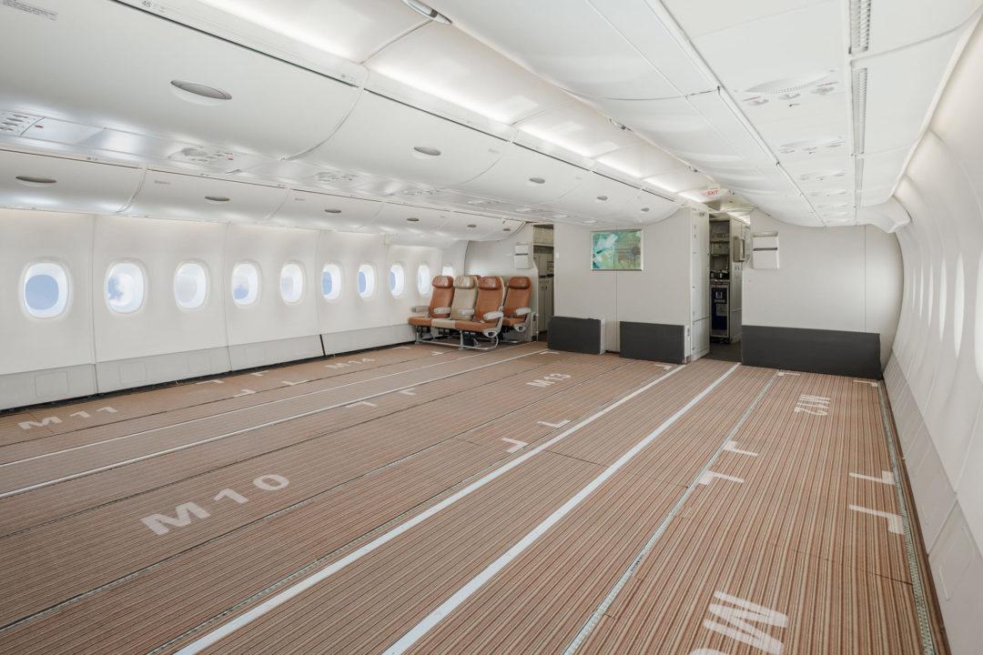 Cabine du pont principal de l'A380 HiFly Malta en version Fret