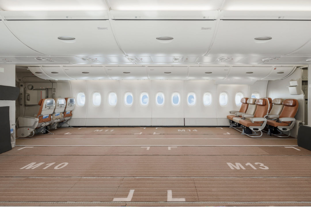 Cabine Business du pont principal de l'A380 HiFly Malta en version Fret