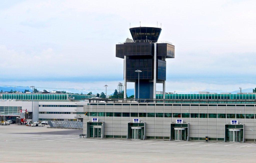 Aéroport de Genève coté ZR