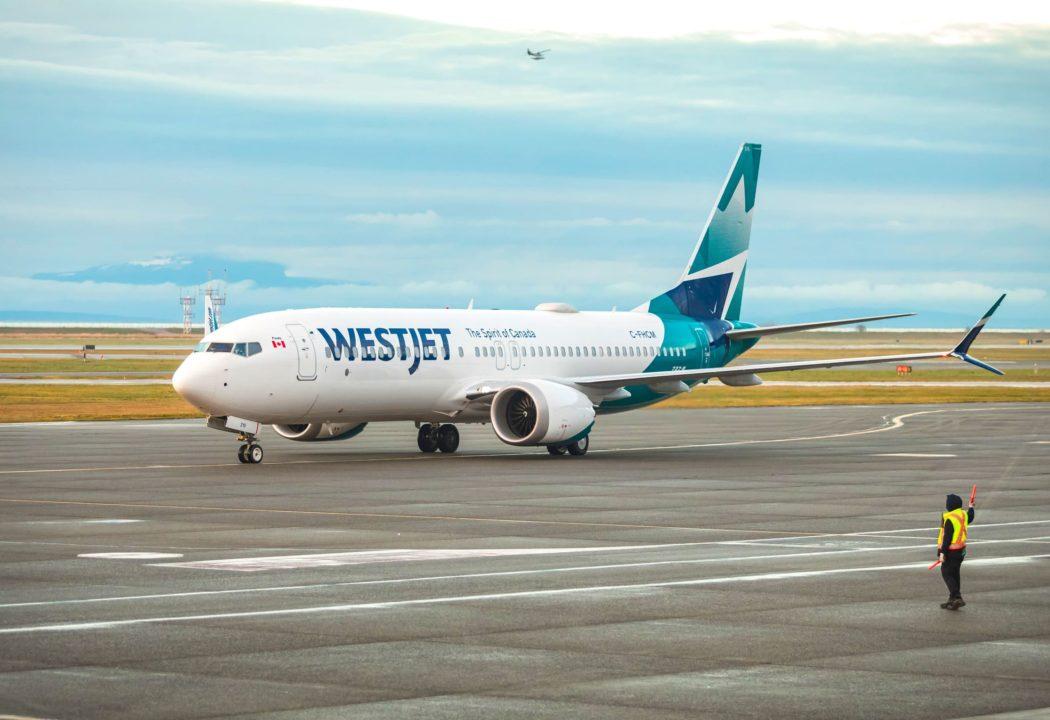 737 MAX 8 WestJet