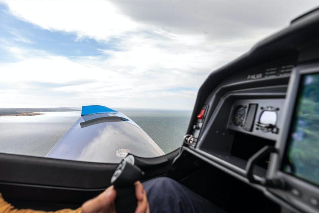 cockpit Elixir Aircraft