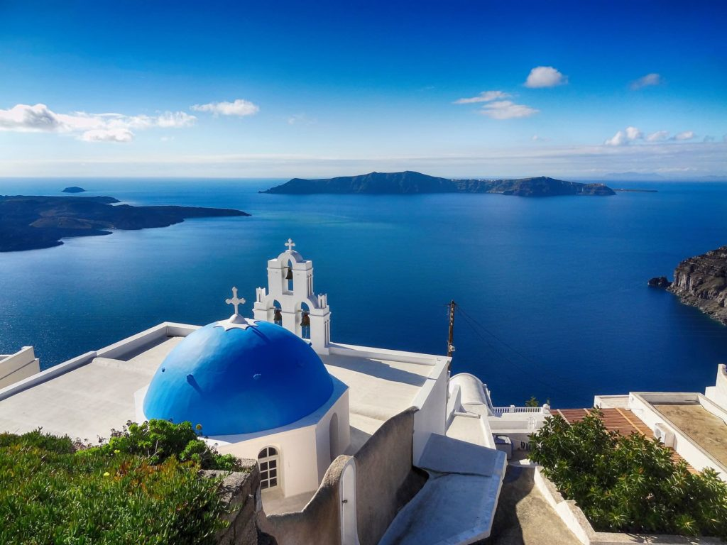 Santorin, l'une des îles des Cyclades (mer Égée - Grèce)