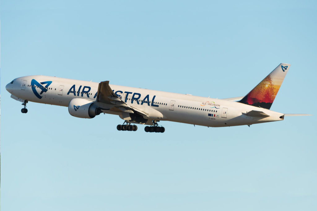 Boeing 777-3Q8(ER) Air Austral F-OSYD