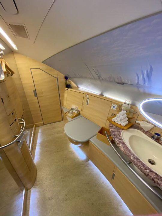 Salle de bain des A380 Emirates