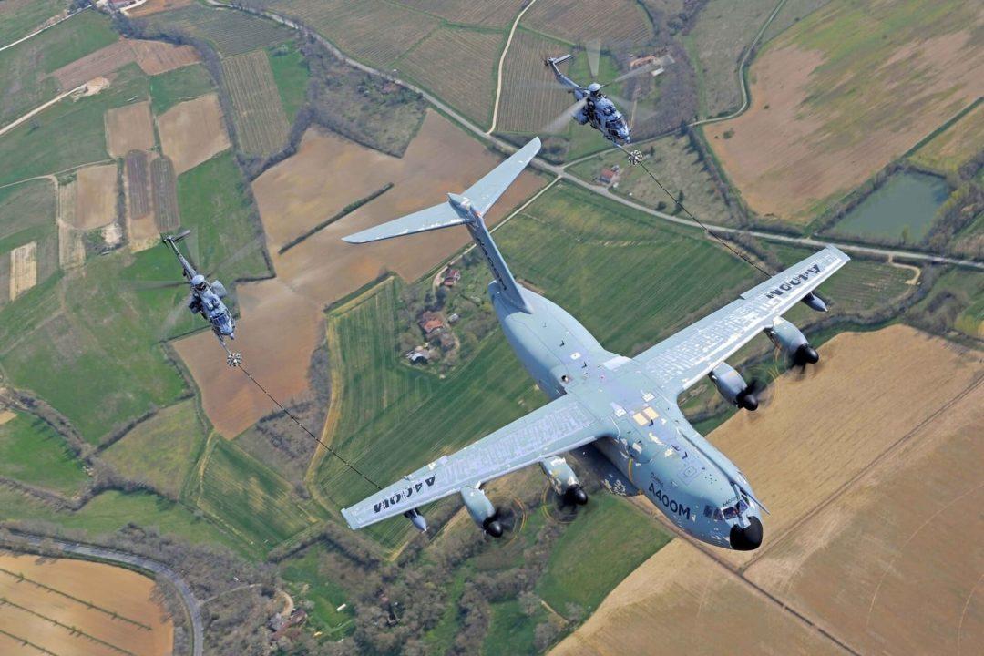 Deux H225M Caracal Armée de l'air et de l'espace et A400M