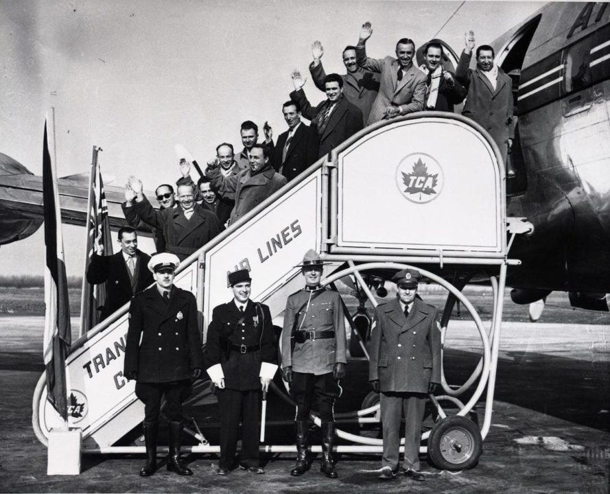 Les passagers du 1er vol au départ de Montréal