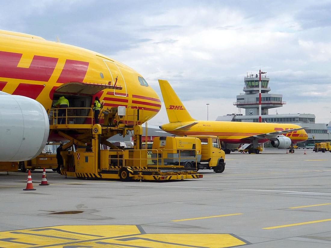 Avions DHL Linz airport