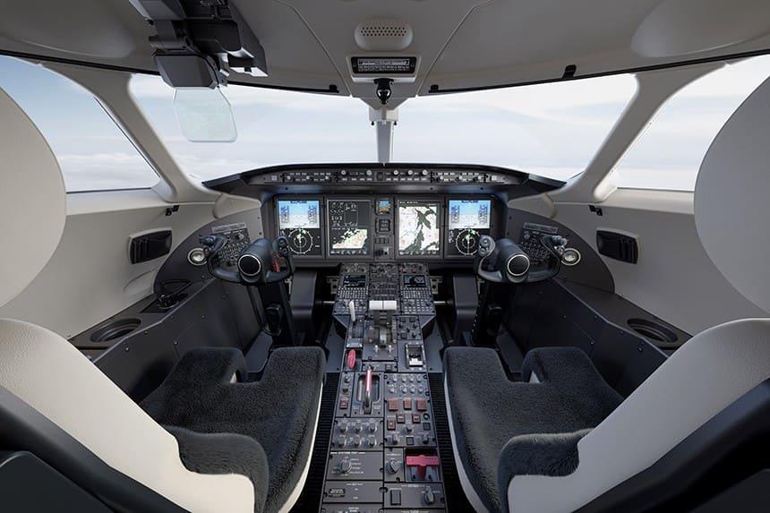 Cockpit Chalenger 350