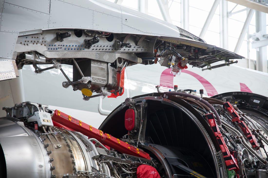 Fixation du moteur au mât sur un A350-1000