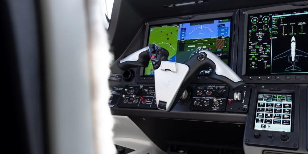 HAUTE AVIATION Phenom 300E