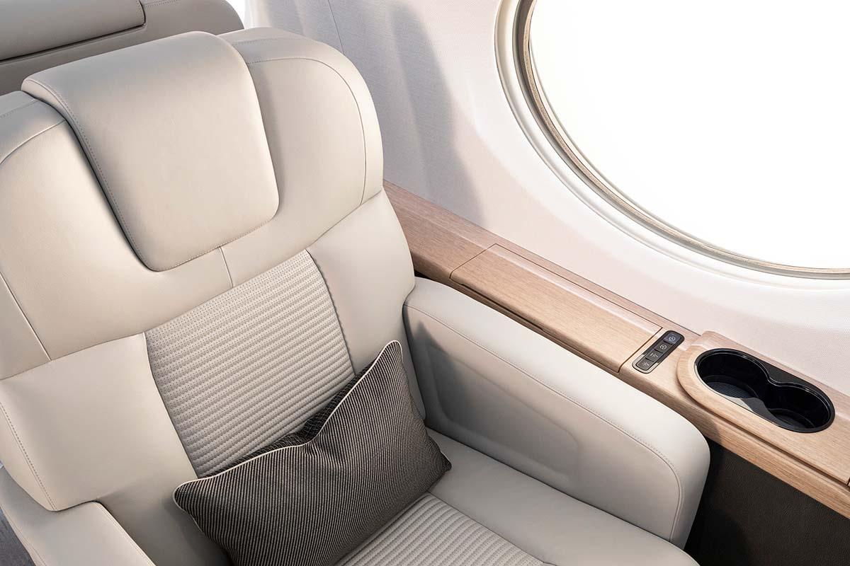 Hublot et siège du Gulfstream G800